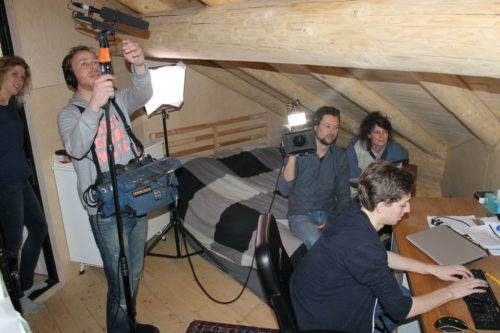 Loghouse op NPO2